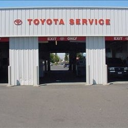 Freeman Toyota 46 Photos 359 Reviews Car Dealers 2875 Corby Ave Santa Rosa Ca Phone Number Yelp