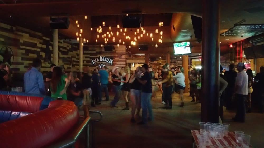 Moonshine Whiskey Bar Amp Grill Closed 35 Photos Amp 82