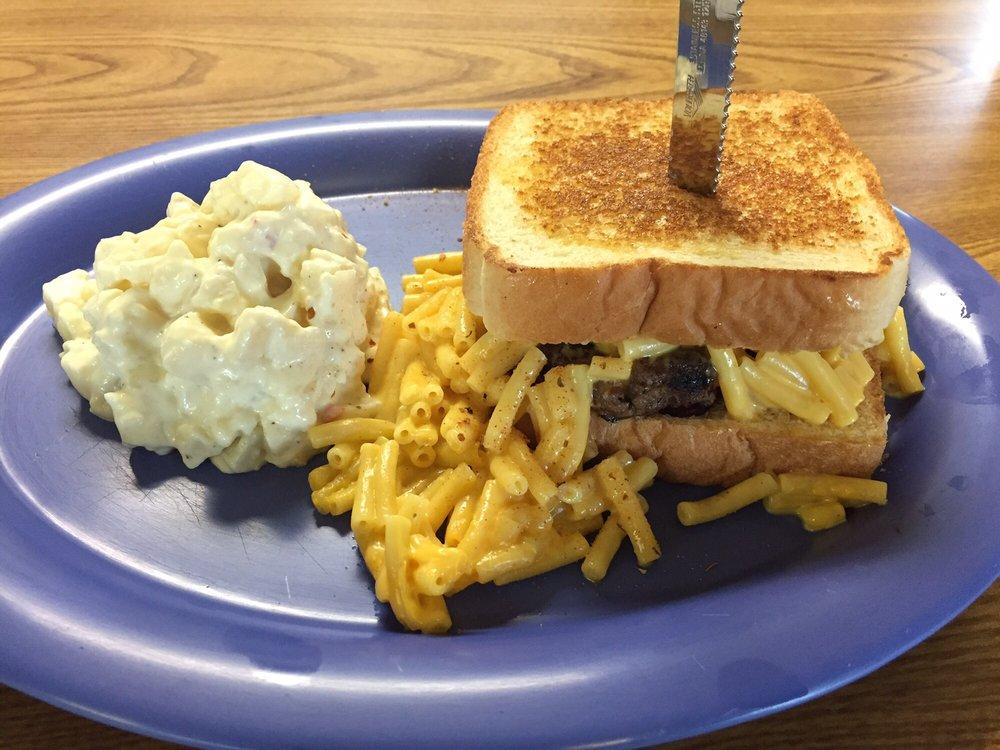 Kirby's Cafe: 3101 Main St, Emmetsburg, IA