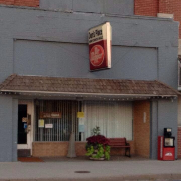 Don's Place & Gift Closet: 220 N Broadway Ave, Protection, KS