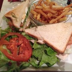 Neo Cafe - Paris, France. Club sandwich poulet