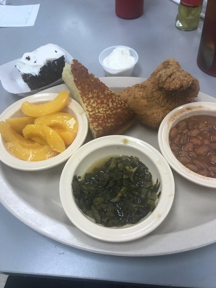 Cassie's Cafe: 13669 Hwy 231/431 N, Hazel Green, AL
