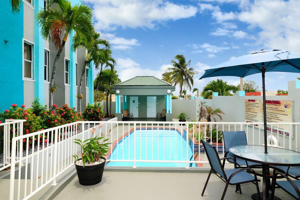 Hotel El Buen Cafe: Carretera Puerto Rico 2 KM 84, Hatillo, PR