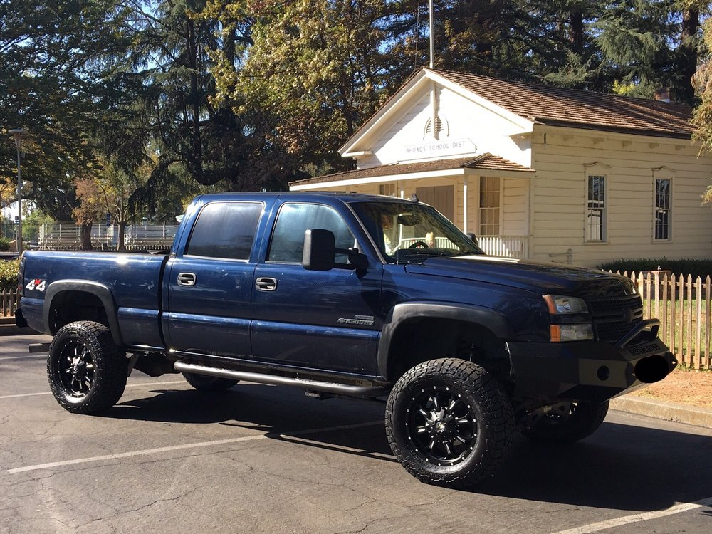 2006 Chevy Silverado 2500hd With 6 Inch Fabtech Lift Kit And