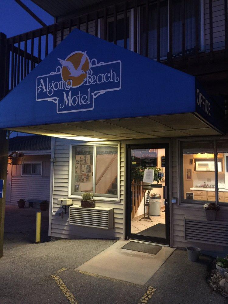 Algoma Beach Motel: 1500 Lake St, Algoma, WI