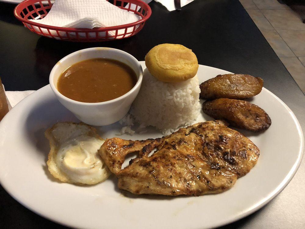 La Fuente Bar & Restaurant