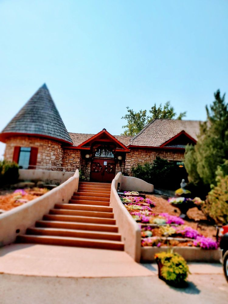 Y Knot Winery: 1289 W Madison Ave, Glenns Ferry, ID