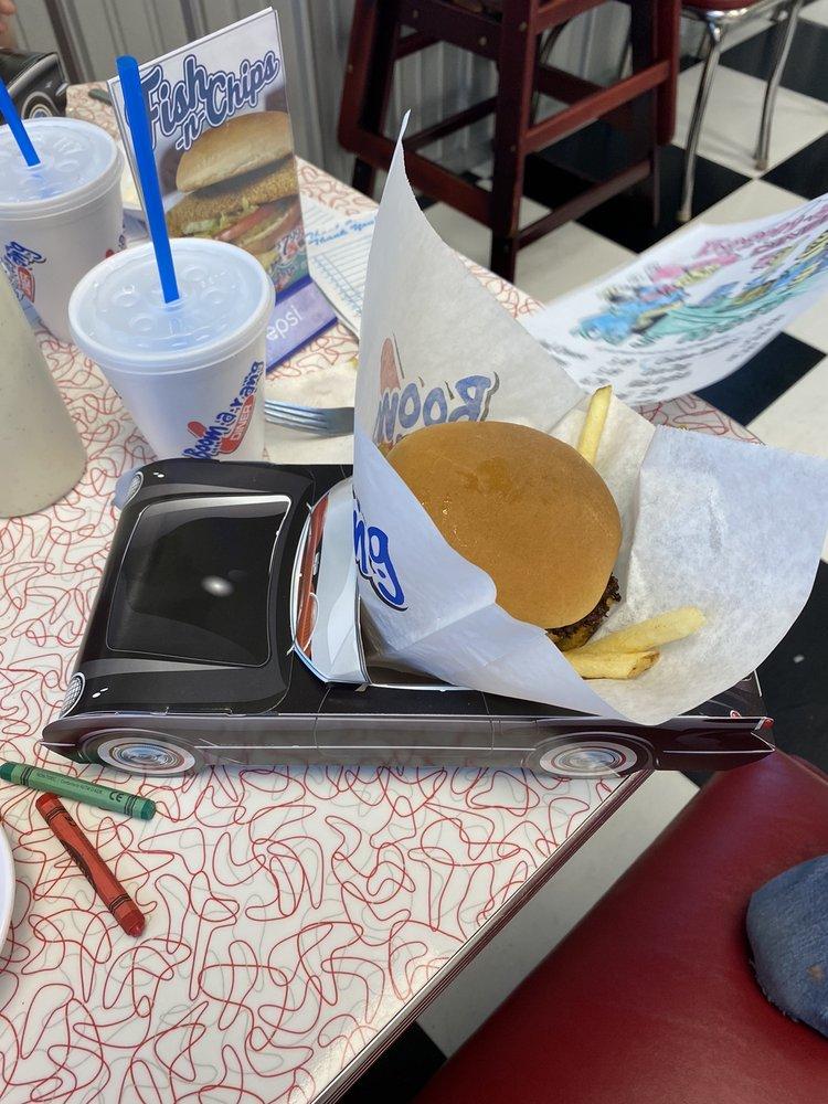 Boomerang Diner: 1302 Fir St, Perry, OK