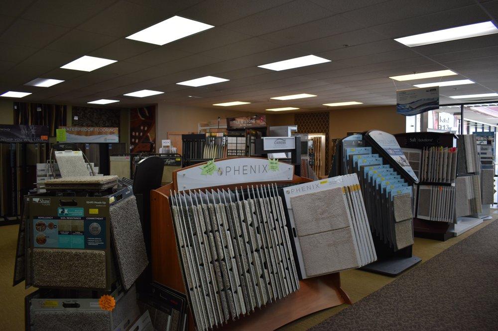 Jefferson Street Flooring: 913 W Hwy 92, Kearney, MO