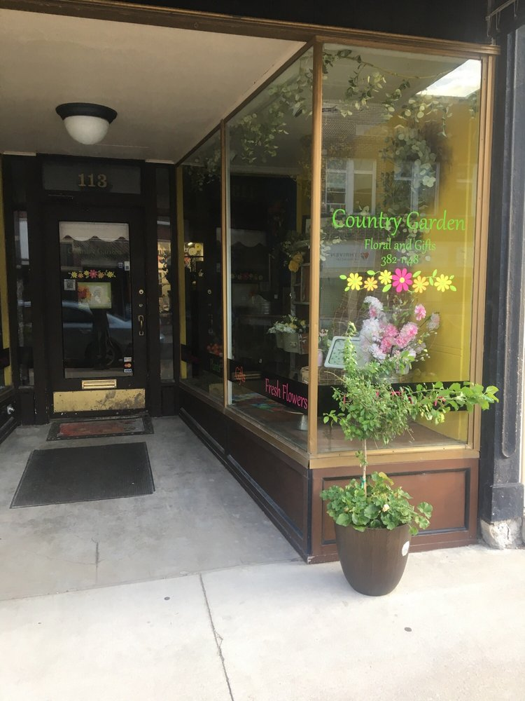The Country Garden Flowers: 113 W Water St, Decorah, IA