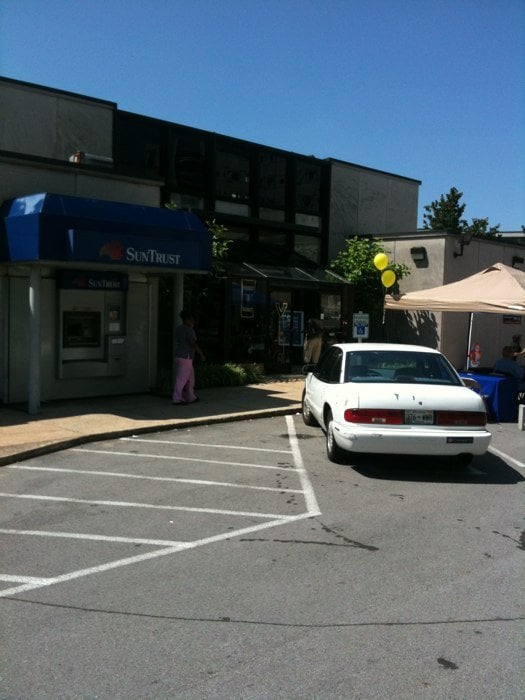 Suntrust banks credit unions 1605 21st ave s for Southern living phone number