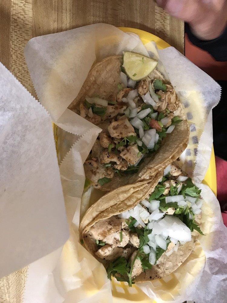Food from El Mercadito Taqueria