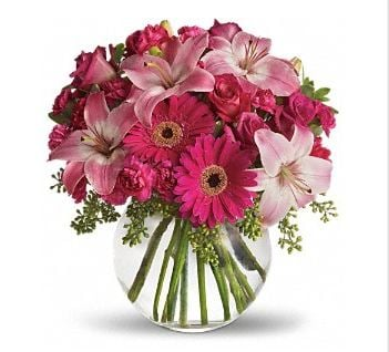 Booth's Country Florist: 111 Commercial St, Dowagiac, MI