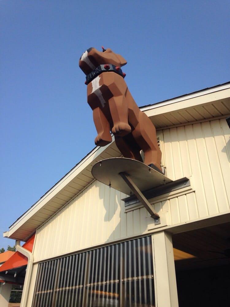 Petey's Eatey's: 5879 Sullivan Trl, Nazareth, PA
