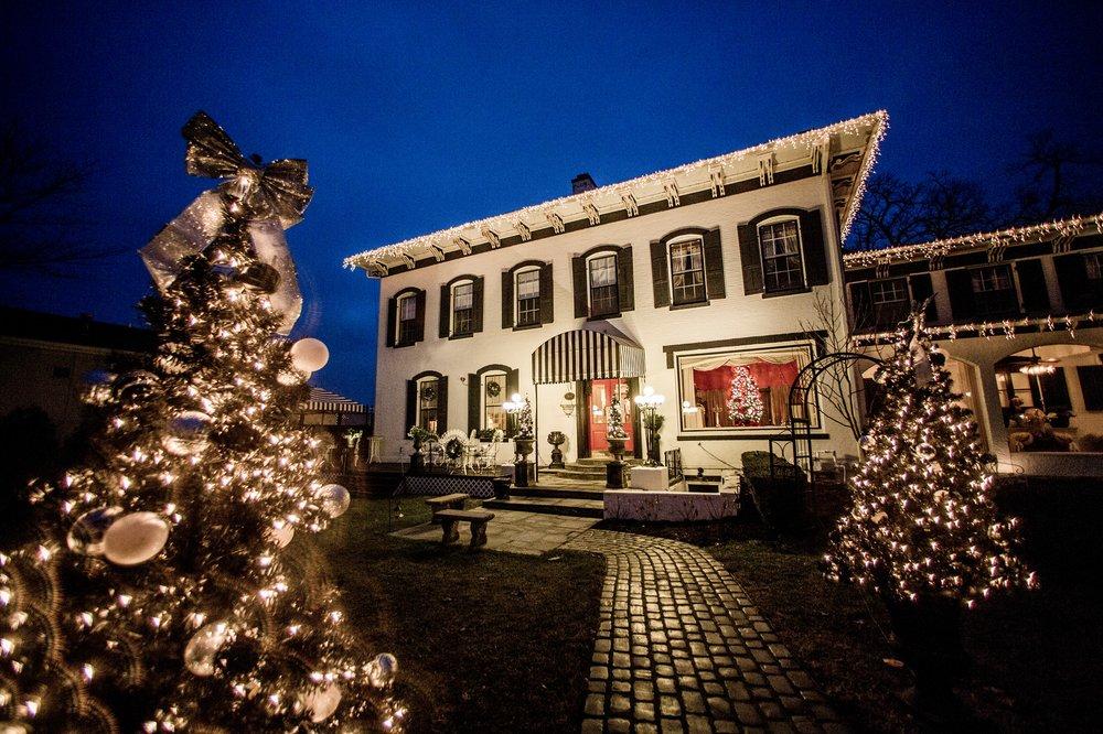 Maxwell Mansion: 314 S Wells St, Lake Geneva, WI