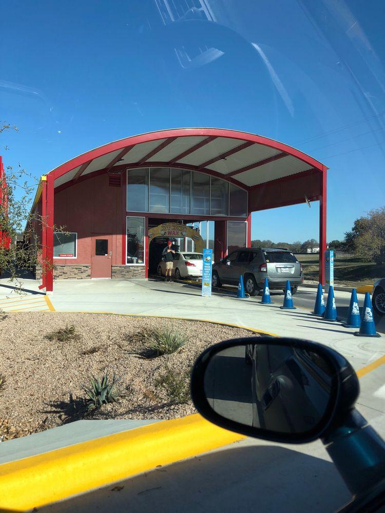 Bee Clean Car Wash: 2244 FM 3009, Schertz, TX