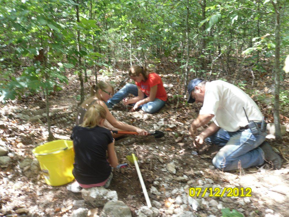 Board Camp Crystal Mine: 110 Hickory Ridge Rd, Mena, AR