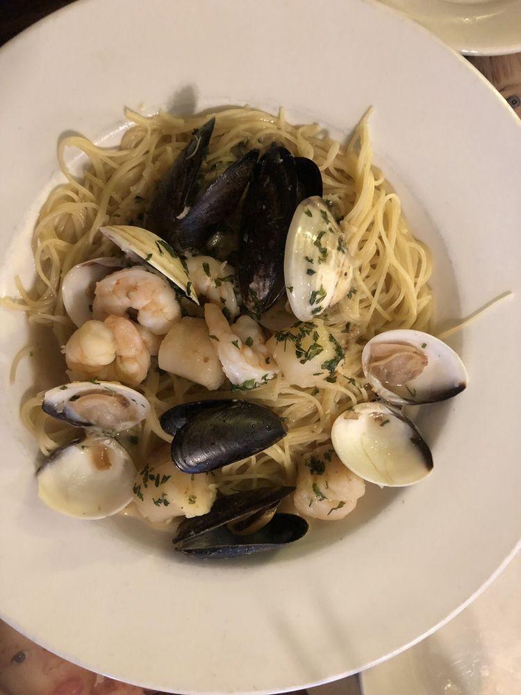 Mom & Dad's Italian Restaurant