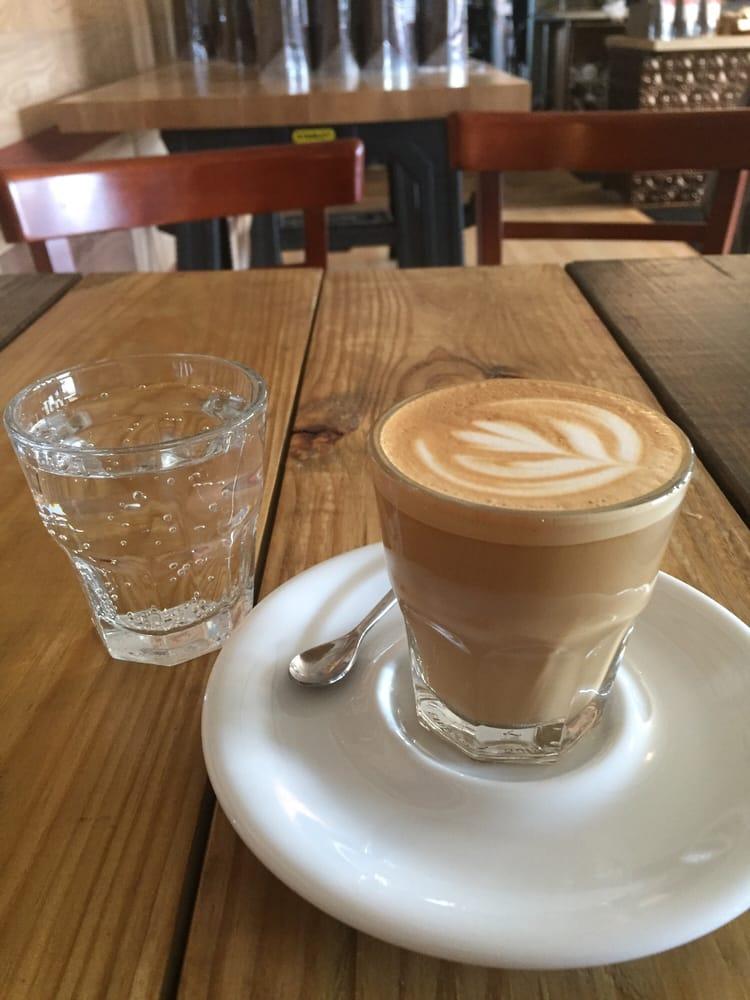Hansa Coffee Roasters - Lake Bluff: 600 Walnut Ave, Lake Bluff, IL