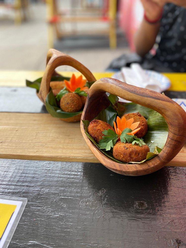 Food from Lakruwana Restaurant