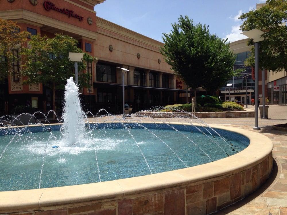 Galleria Specialty Mall: 2 Galleria Pkwy NW, Atlanta, GA