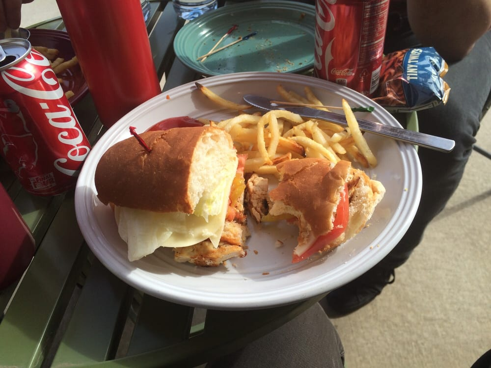 212 Cafe: 113 W Garfield Ave, Gettysburg, SD