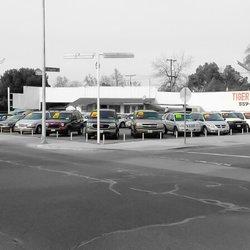 Public Auto Sales >> Tiger Auto Sales Used Car Dealers 3355 E Tulare St