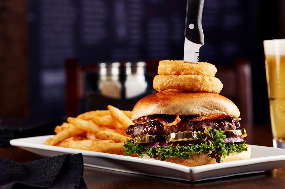 Big Whiskey's American Restaurant & Bar - Jefferson City: 627 W McCarty St, Jefferson City, MO