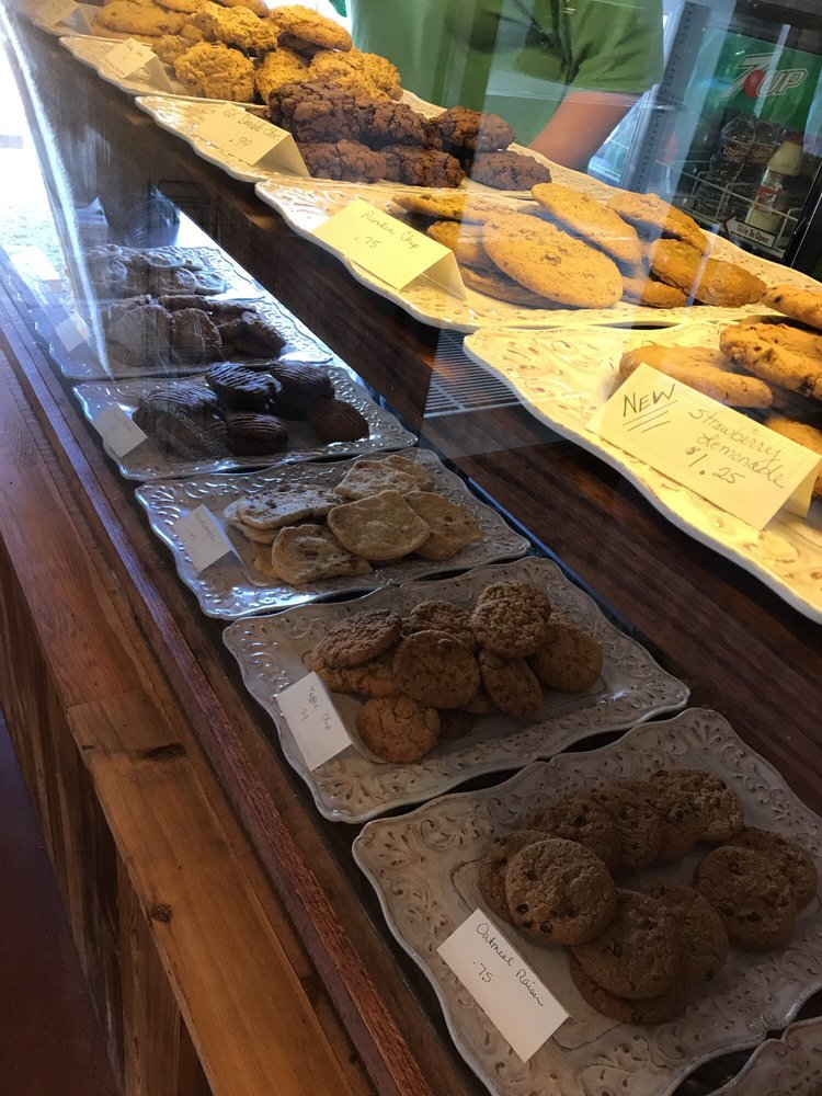 Country Sweets Bakery: 1210 Hackberry, Bandera, TX