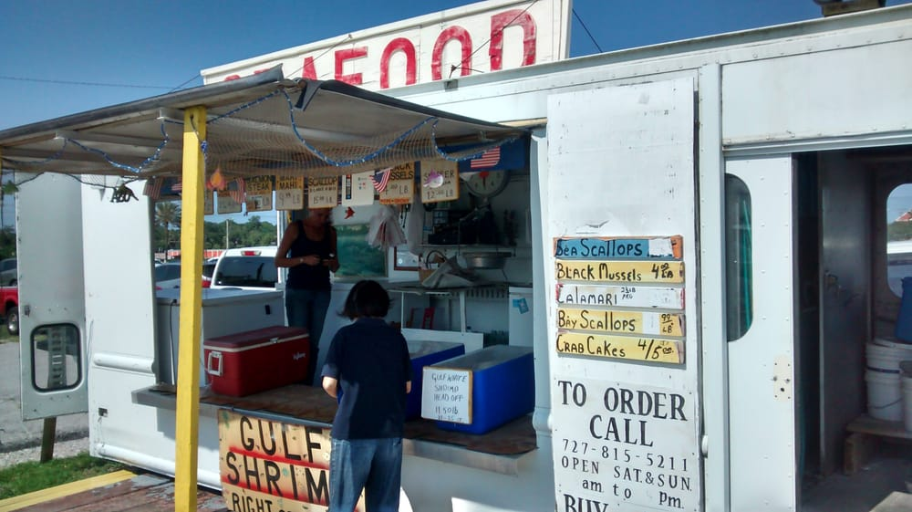 There are a couple of seafood stands this one is right in for City fish oldsmar