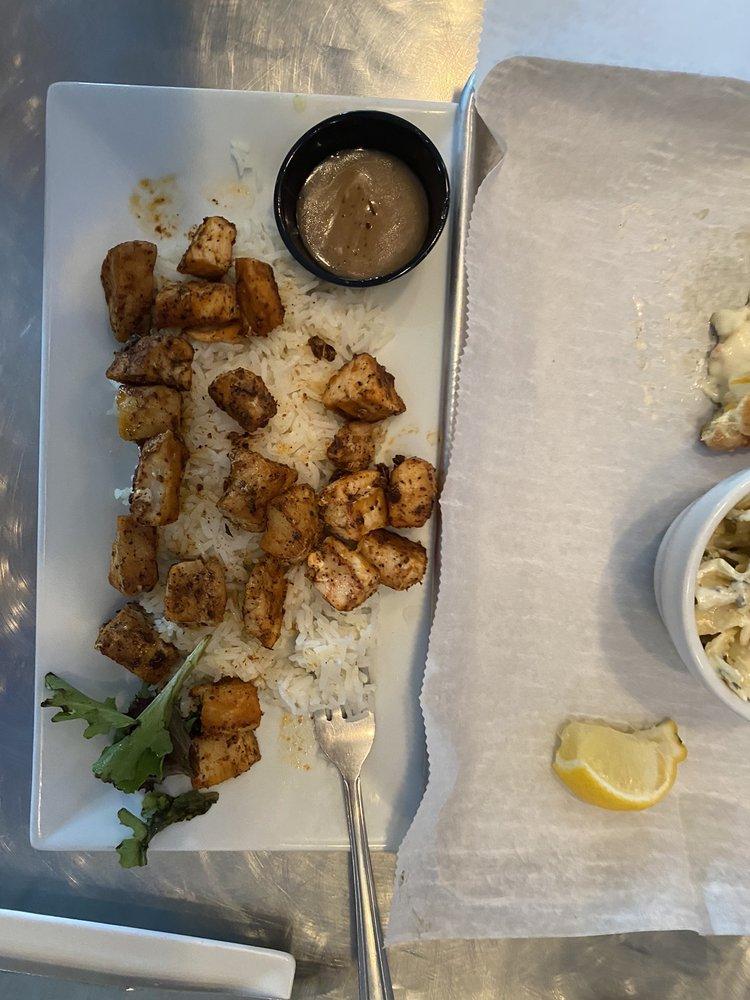 Summer Salts Beach Grill: 33548 Market Plc, Bethany Beach, DE