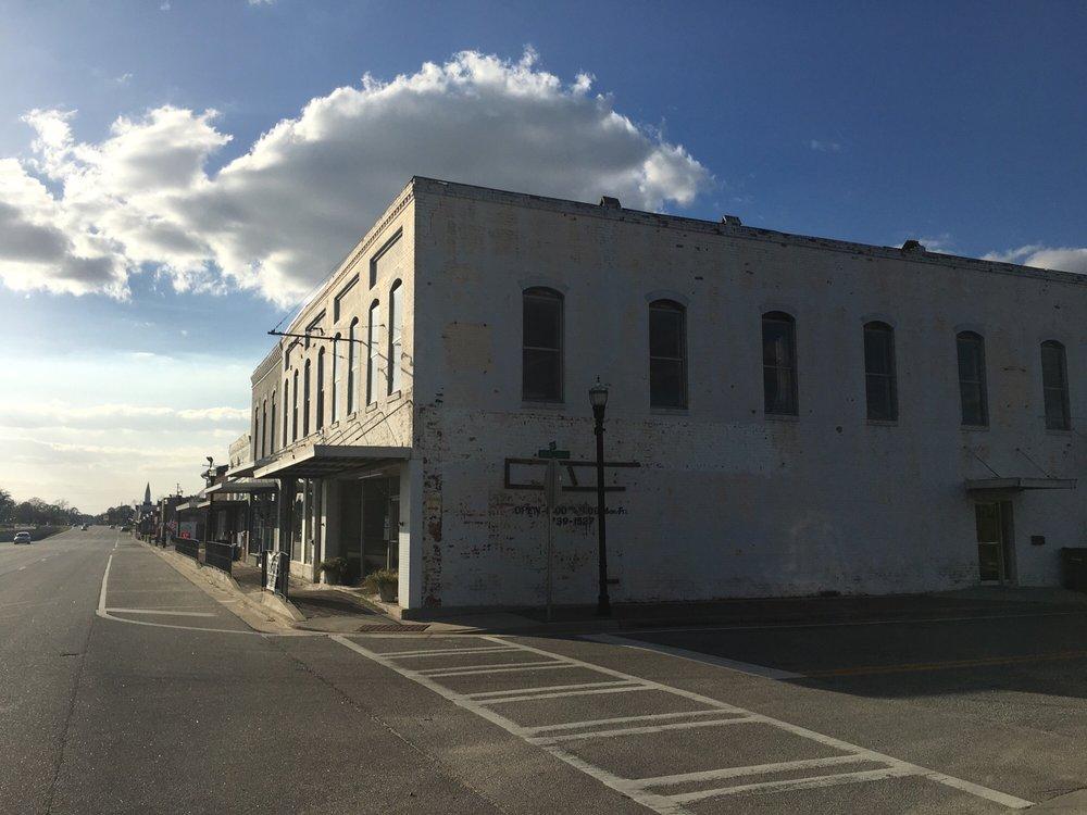 Hoody's Hoagies: 1 W Main St, Claxton, GA
