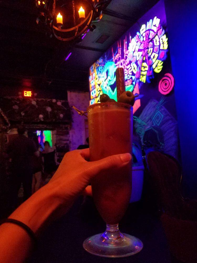 cocktails and screams: 39 W Pine St, Orlando, FL
