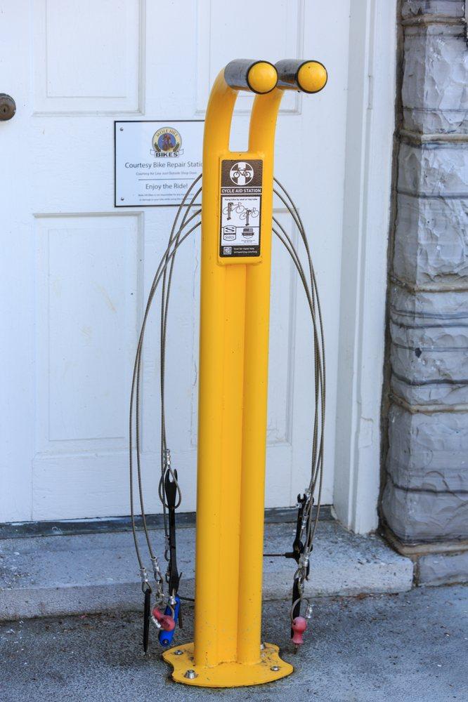 Mole Hill Bikes: 440 Main St, Dayton, VA