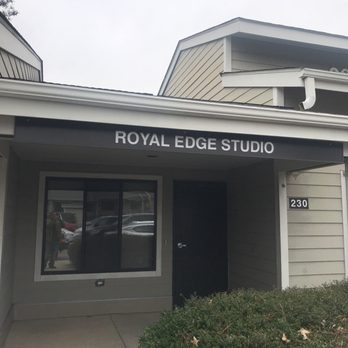 Royal Edge Studio Barbers 1920 Nc 54 Durham Nc Phone Number