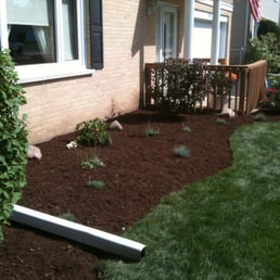 Photo Of Mooreu0027s Lawn Maintenance   Lombard, IL, United States. A Small  Landscaping