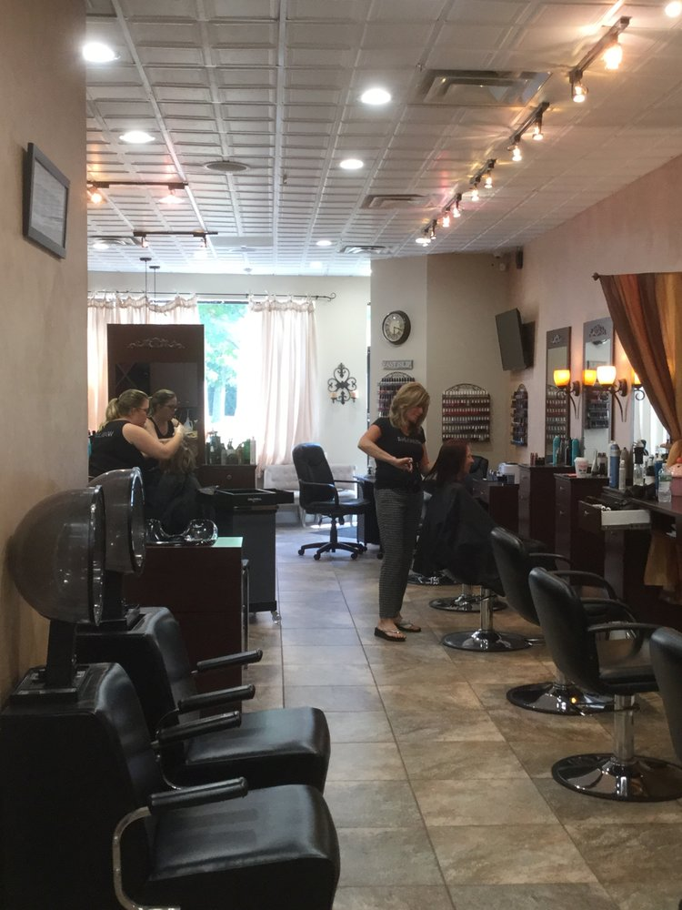 Salon 37: 37 W Main St, East Islip, NY