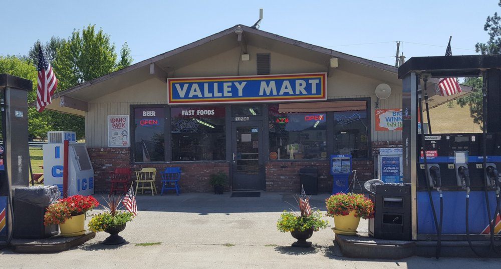Valley Mart Grocers: 31504 S Highway 3, Medimont, ID