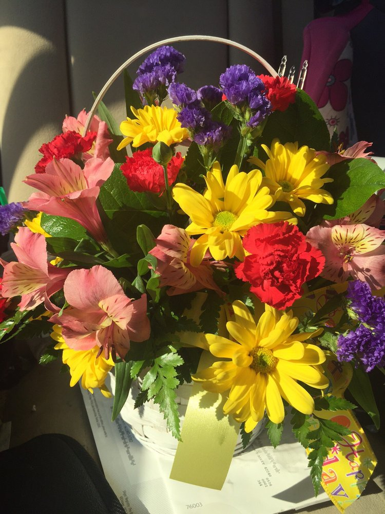 West & Witherspoon Florist: 2500 S Virginia St, Hopkinsville, KY
