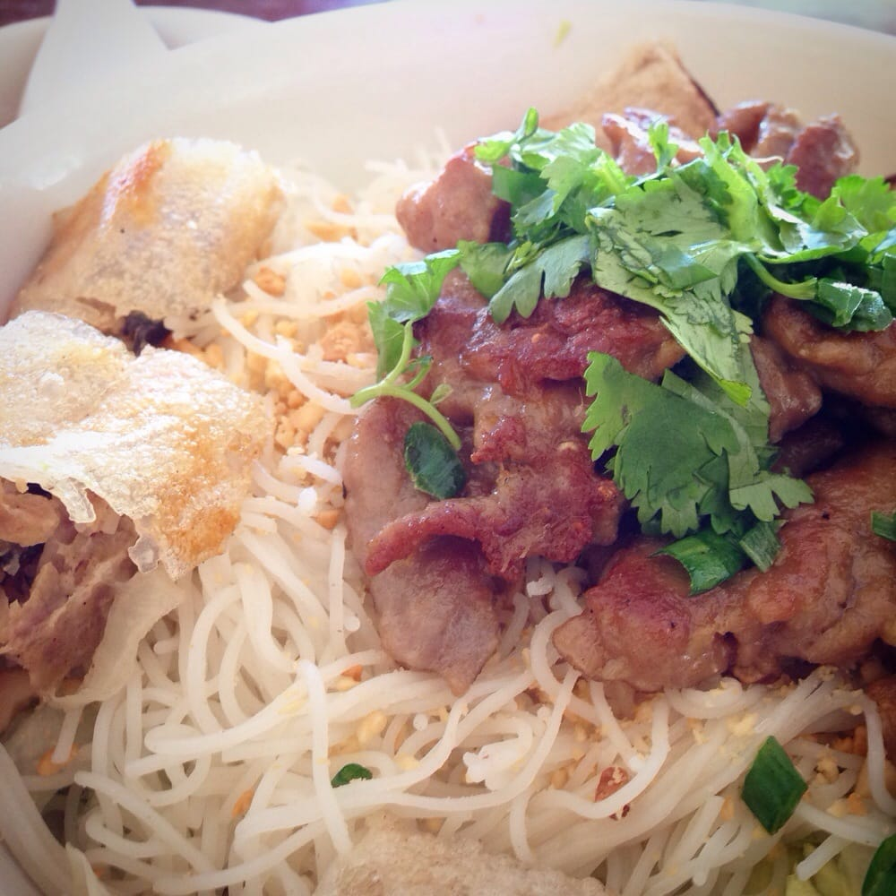 Vietnamese chinese style for lunch this is vermicelli for 77 chinese cuisine