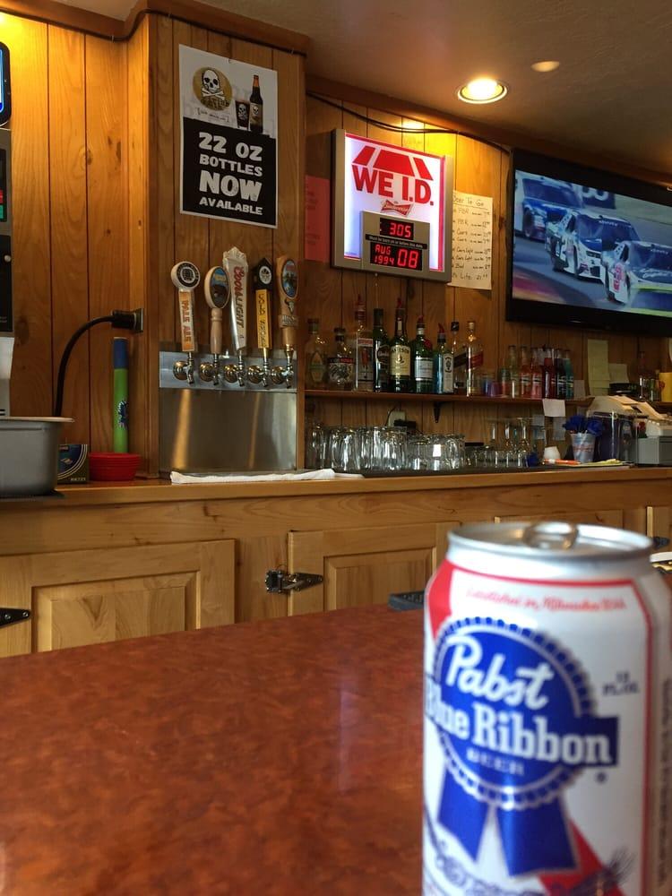 Elk Range Lounge & Casino: 44676 Hwy 200 E, Greenough, MT