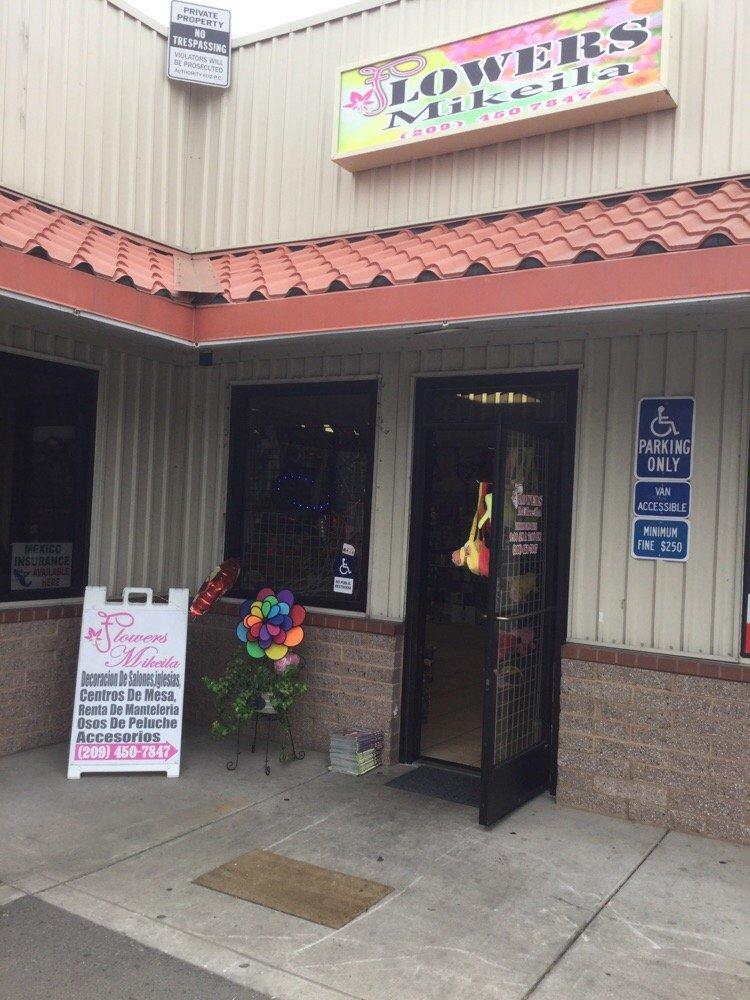 Flowers Mikeila: 205 W Hatch Rd, Modesto, CA