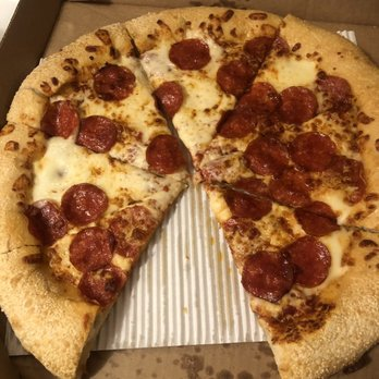 pizza hut 22 photos 17 reviews pizza 4504 cemetery rd rh yelp com