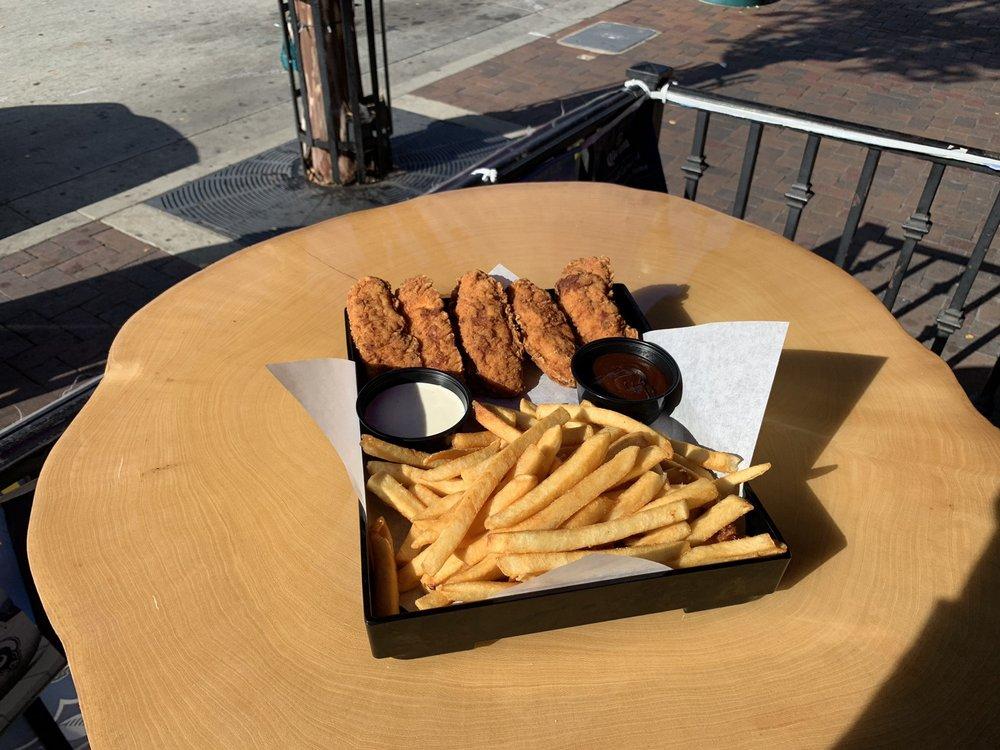 Photo of Rude Dog Bar & Grill: Covina, CA