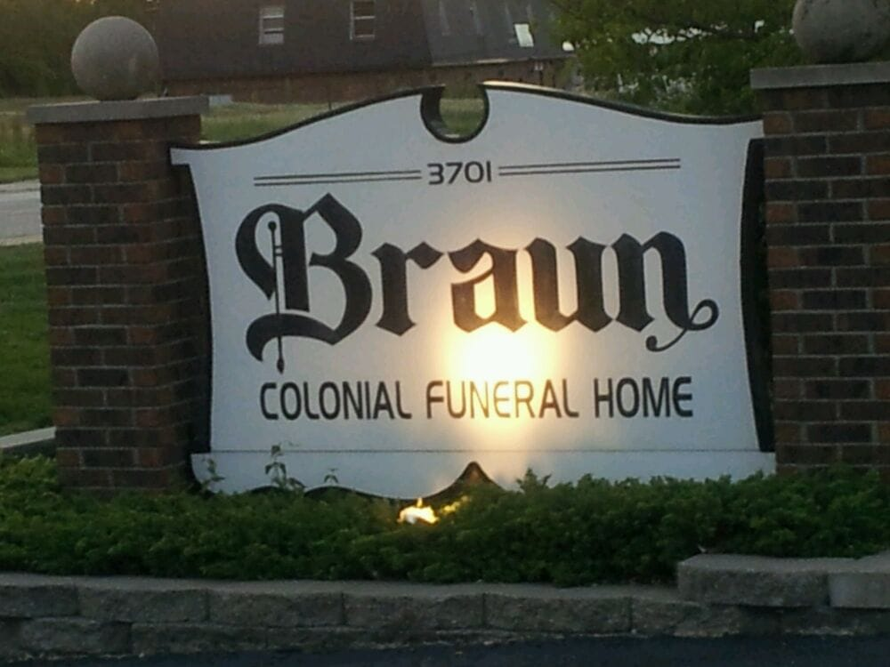 Braun Colonial Funeral Home: 3701 Falling Springs Rd, Cahokia, IL