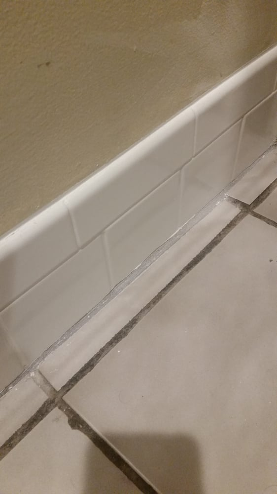 See the difference in grout colors now? Looks dirty and what\'s sad ...