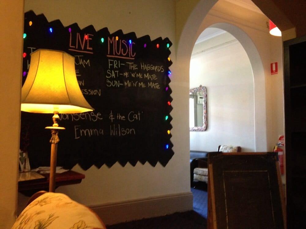 Whitmore hotel pubs 317 morphett st adelaide for Hotel numero