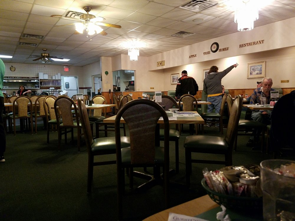 Apple Tree Family Restaurant: 3717 Nameoki Rd, Granite City, IL