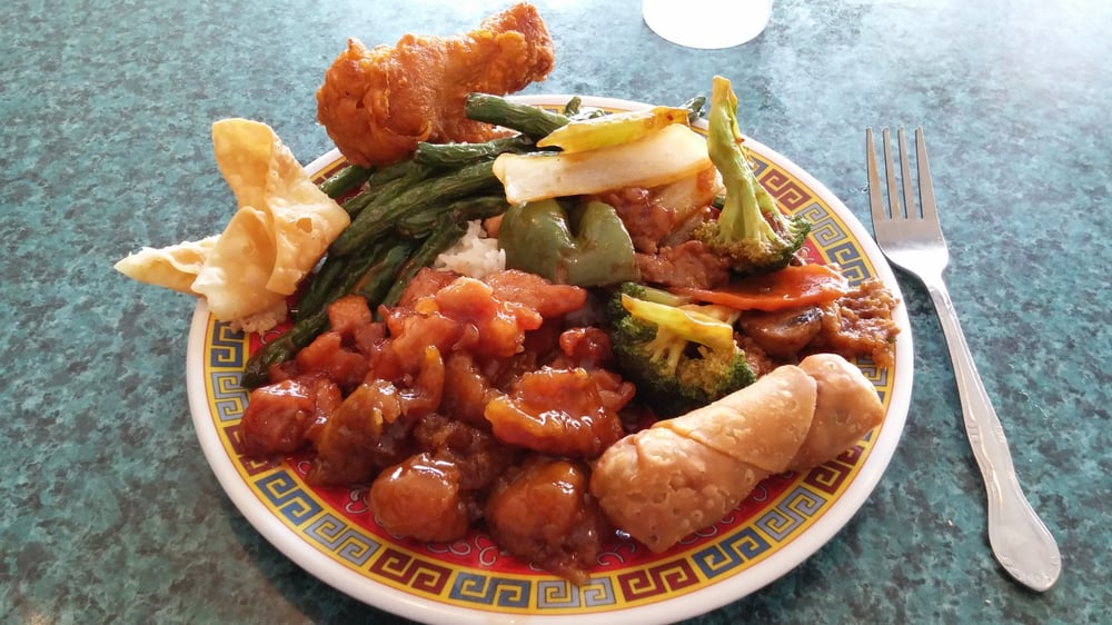 China Moon Restaurant: 111 N Egan Ave, Madison, SD