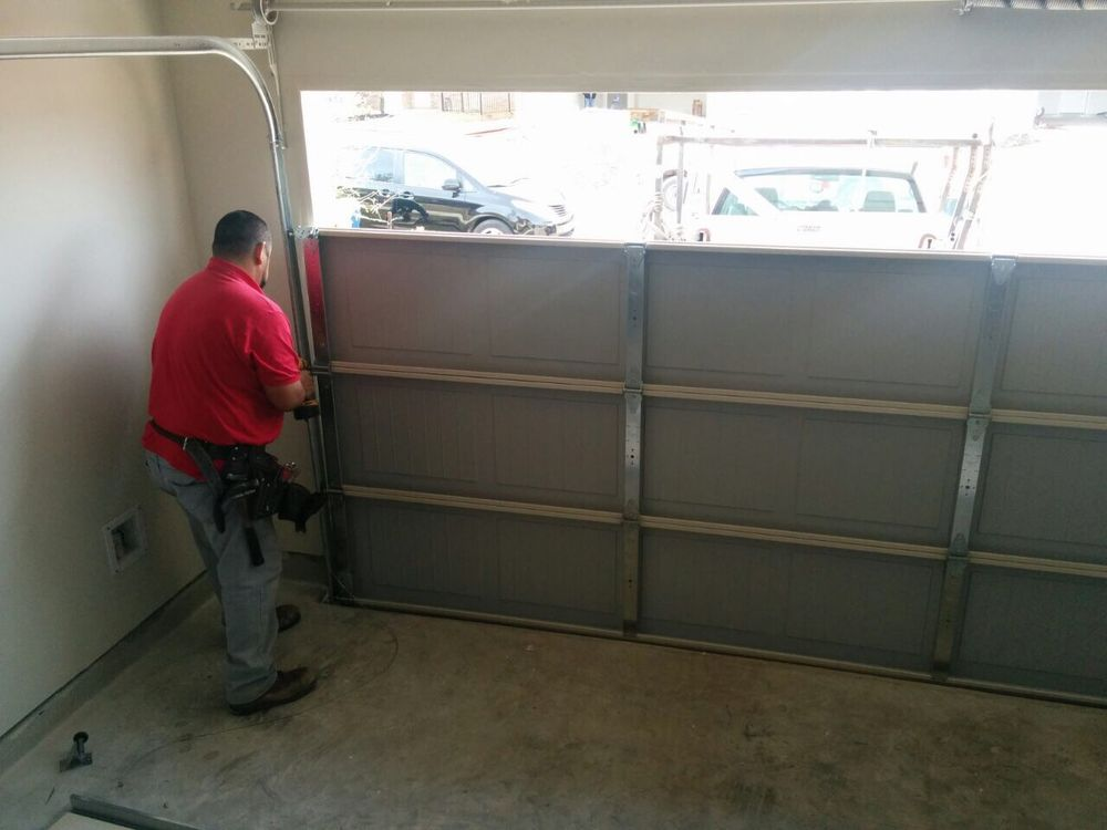 Garage Door Services of St. Louis: Florissant, MO